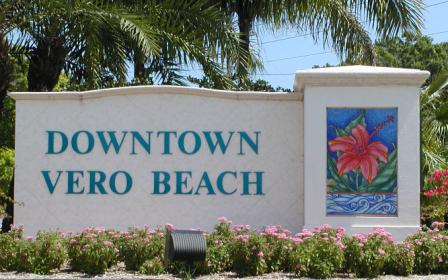 Picture Of City Vero Beach Downtown Welcome Sign